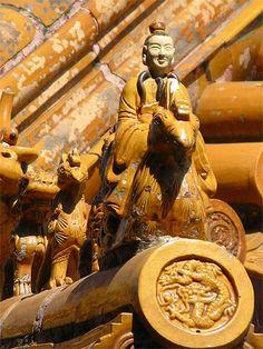 Tiles roof, the Summer Palace, Beijing, China. Chinese Culture, Chinese Art, Summer Palace Beijing, Statues, Peking, Art Chinois, Chinese Element, Visit China, Kunming