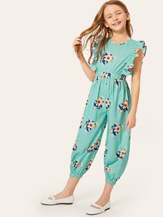 To find out about the Girls Zip Back Ruffle Trim Floral Print Jumpsuit at SHEIN, part of our latest Girls Jumpsuits ready to shop online today! Dresses Kids Girl, Kids Outfits, Cute Outfits, Striped Jumpsuit, Printed Jumpsuit, Baby Girl Fashion, Kids Fashion, Fashion Outfits, Moda Junior