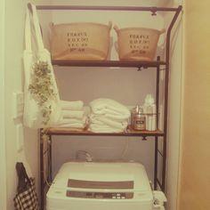 224 賃貸の狭い洗濯機置き場に市販のラック…ランドリーバスケットを楽天で購入し変更しちょっとスッキリ(^_^)ノ棚は板を自分でカットして追加しています。 黒板塗料 /黒好き♡/収納/いなざいるす屋/男前/ハンドメイド…などのインテリア実例 - 2014-11-02 00:31:28 | RoomClip(ルームクリップ)