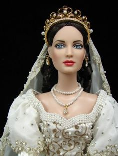About Queen of Hearts Bride: Redressed as a Faberge bride