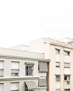 pretty buildings  . . #spain#vscocam#vsco#whiteaddict#minimal#minimalism#pursuepretty#postitfortheaesthetic#livefolk#adventuretilwedie#wonderful_places#liveofadventure#lifeofadventure#fromabove#thehappynow#flashesofdelight#peoplescreatives#livethelittlethings#abmlifeiscolorful#dscolor#thatsdarling#darlingmovement#architecture#archilovers#archdaily