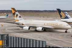 Etihad Airways Airbus A380-861