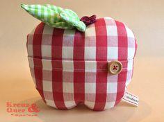 Deko-Obst - Stoff - Apfel mit Tasche rot kariert - Dekoration - ein Designerstück von Kreuz_und_Quer bei DaWanda