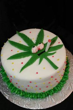 20 Ideas for Weed Birthday Cake Weed Birthday Cake, Cookie Cake Birthday, Happy Birthday, Birthday Ideas, Cupcakes, Cupcake Cakes, Beautiful Cakes, Amazing Cakes, Pasteles Halloween
