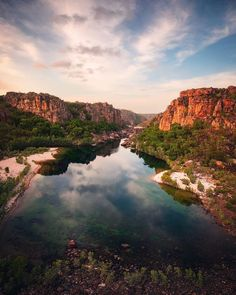 Indefinite Leave is a site about the adventures of Kev and Adele as they travel around Australia in their motorhome. Kakadu National Park, National Parks, Places To Travel, Places To Go, Australia Travel Guide, Travel Photography, Creative Photography, Landscape Photography, Pretty Beach