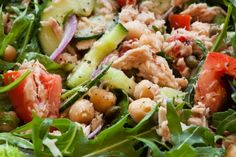 This delicious tuna and chickpea salad is packed full of protein which will keep you fuller for longer. It's tasty and healthy too Tinned Tuna Recipes, Healthy Tuna Recipes, Chickpea Salad Recipes, Healthy Family Meals, Healthy Salads, Lunch Recipes, Healthy Food, Haddock Recipes, Mackerel Recipes