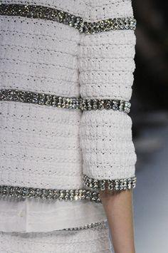 Жакет и платье (крючок) из коллекции Dolce & Gabbana Весна 2011: Вязание крючком и спицами