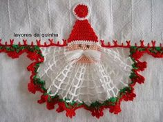 Advent/Weihnachten Weihnachtsmannbordüre - - - pattern site spanish - - - - - - As Receitas de Crochê: Pano de prato com Papai Noel de croche Crochet Edging Patterns, Crochet Borders, Crochet Motif, Crochet Doilies, Crochet Flowers, Crochet Lace, Cute Crochet, Thread Crochet, Filet Crochet