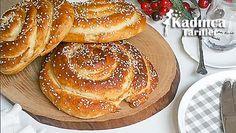 Pastane Usulü Tahinli Çörek Tarifi nasıl yapılır? Pastane Usulü Tahinli Çörek Tarifi'nin malzemeleri, resimli anlatımı ve yapılışı için tıklayın. Yazar: Beyhan'ın Mutfağı