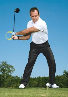 Golf Tips For Women Here's how to perfect your downswing and hit powerful shots. - Here's how to perfect your downswing and hit powerful shots. Golf Downswing, Play Golf, Disc Golf, Mens Golf, Dubai Golf, Golf Videos, Golf Instruction, Golf Exercises, Workouts