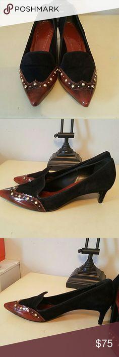 Tory burch Low vintage looking heels Tory Burch Shoes Heels