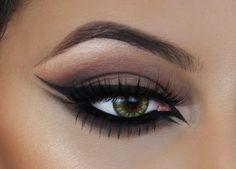 Double Winged Eyeliner Tutorial | Cat Eye Inspired |