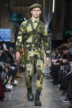 Moschino Menswear Pre-Fall / Fall Winter 2017 Milan