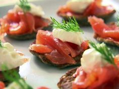 Look at this recipe - Blinis with Creme Fraiche and Smoked Salmon - from Ina Garten and other tasty dishes on Food Network. Smoked Salmon Blinis, Smoked Salmon Recipes, Fish Recipes, Party Recipes, Healthy Recipes, Tapas, Food Network Uk, Food Network Recipes, Creme Fraiche