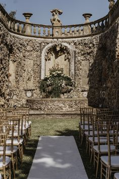 plan your wedding day at the majestic Villa Gamberaia, in the heart of Tuscany Best Wedding Planner, Destination Wedding Planner, Luxury Wedding, Dream Wedding, Wedding Day, Post Wedding, Plan Your Wedding, Italy Wedding
