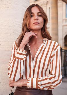Sézane - Cuzco shirt with gorgeous ruffel detail on neck and cuffs, cotton made in India + stripes are my favourite Sezane Paris, Style Parisienne, Couture Tops, Style Snaps, French Chic, Shirt Skirt, Fashion Lookbook, Parisian Style, Mom Style