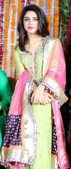 #mereyaarkishaadihai...mehendi wear