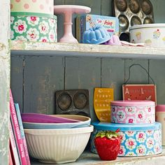 Freshly baked cakes and muffins will keep fresh in these lovely decorative tins. Read more at http://www.housetohome.co.uk/kitchen/picture/pretty-kitchen-storage-tins#sYkFjMk9y1DGsHSj.99