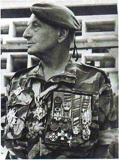 Risultati immagini per general marcel bigeard Ap World History, History Photos, First Indochina War, French Foreign Legion, Vietnam War Photos, Man Of War, Colonial, War Photography, Army Uniform