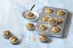 Čokoládové muffiny s banánem a kokosem | Apetitonline.cz Menu, Breakfast, Food, Lemon, Menu Board Design, Morning Coffee, Essen, Meals, Yemek