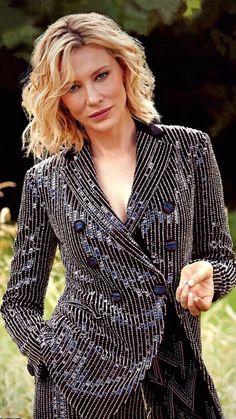 Cate Blanchett a nadrágos szettek királynője Cate Blanchett Style, Cate Blanchett Carol, Blazers For Women, Suits For Women, Pretty People, Beautiful People, Estilo Tomboy, Middle Aged Women, Renaissance Dresses