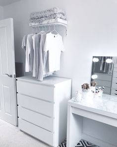 Total Size Of Dressing Room Mirror Ideas Little Vanity Table Medium With Furniture Amusing Drawers Modern Format Contemporary Establish. Bedroom Into Dressing Room, Ikea Dressing Room, Small Dressing Rooms, Dressing Room Design, Dressing Table, Spare Room Dressing Room Ideas, Teen Room Decor, Room Ideas Bedroom, Home Decor Bedroom