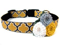"""Yellow Dog Collar 3/4"""" Wide Yellow Honeycomb Complete with Felt Flower. $20.00, via Etsy."""