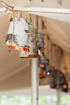 Birch Bark Lamps crafts-decor-and-diy Woodsy Wedding, Forest Wedding, Wedding Ideas, Party Wedding, Garden Wedding, Eco Deco, Birch Bark Crafts, Birch Bark Decor, How To Make Lanterns
