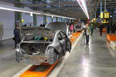 Второй месяц подряд в Украине продолжают сокращаться объемы производства автотранспортной техники.