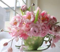 Love the idea of the fancy teacup for floral arrangements