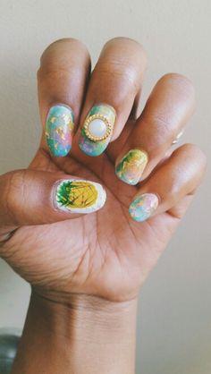 Pinapples watercolor nails