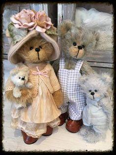 The family By Shaz Bears - Bear Pile
