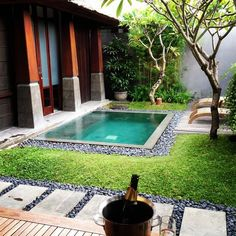 One Bedroom Villa with Plunge Pool - Picture of The Kayana Bali, Seminyak - Tripadvisor Pools For Small Yards, Small Backyard Pools, Backyard Patio Designs, Swimming Pools Backyard, Backyard Landscaping, Mini Pool, Kleiner Pool Design, Hot Tub Garden, Small Pool Design