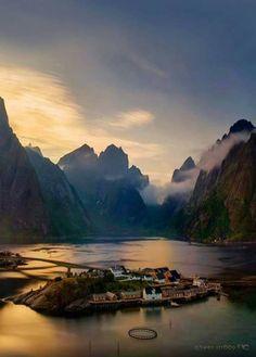 Beautiful Reine - Norway