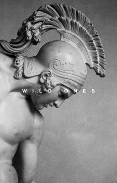 Ancient Greek Sculpture, Greek Statues, Buddha Statues, Motifs Art Nouveau, Greek Mythology Tattoos, Alexandre Le Grand, Statue Tattoo, Roman Sculpture, Greek Art