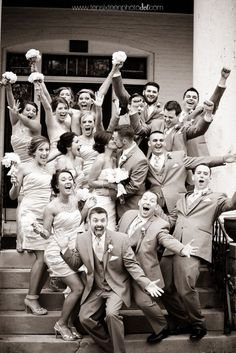 I want a photo like this with my Bridal Party!!