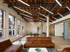 The PEDDLE.COM offices were designed by architecture firm Alterstudio and the interiors by Joel Mozersky of One Eleven Design.