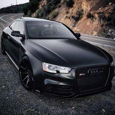 Matte Black Audi 😍 Looks good blacked out. Maserati, Bugatti, Lamborghini, Ferrari, Audi Rs5 Sportback, Rs6 Audi, Matte Black, Black Audi, Black Cars