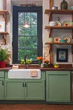 Zoom on kitchen trends 2019 - Home Fashion Trend Home Decor Kitchen, Diy Kitchen, Kitchen Interior, Home Kitchens, Kitchen Cabinets, Cheap Kitchen, Eclectic Kitchen, Kitchen Ideas, Soapstone Kitchen