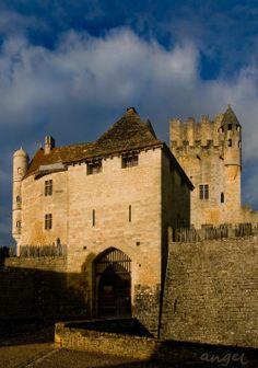 Beynac-et-Cazenac, Aquitaine Beaux Villages, Dordogne, France, Monument Valley, Mansions, House Styles, Nature, Travel, World