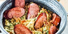 Recept voor een heerlijke en pittige stamppot van boerenkool met uitgebakken rookworst.