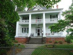 Check out this home I found on Realtor.com.  Follow Realtor.com on Pinterest: http://pinterest.com/realtordotcom/ $1200 month dream house