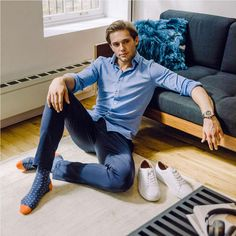 This is how comfort looks Socks And Heels, Black Socks, Stylish Men, Men Casual, Casual Outfits, Fashion Outfits, Man Fashion, Male Models Poses, Herren Outfit
