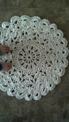 Crocheted rugs are spectacular! Affordable art for pretty much everybody! Especially if you master the art of crochet, doily rugs are most likely a home decor item in your house. This Crochet Doily Rug by Amber Flowers, is a full 36 inches in diameter, stunning crochet piece, that works up really fast!  ——————————————- Made in …