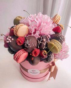 New Birthday Cake Chocolate Strawberry Sweets 29 Ideas Chocolate Flowers, Chocolate Bouquet, Chocolate Strawberries, Chocolate Dipped Fruit, Food Bouquet, Candy Bouquet, Cake Pop Bouquet, Strawberry Sweets, Flower Box Gift