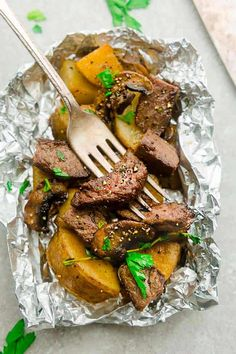 Steak and Potatoes Foil Packets. Steak and Potatoes Foil Packets are full of flavor with mushrooms garlic butter herbs and perfect for busy weeknights. Steak Foil Packets, Foil Packet Potatoes, Foil Packet Dinners, Foil Pack Meals, Foil Dinners, Hobo Packets, Steak Dinner Recipes, Grilled Steak Recipes, Grilling Recipes