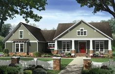 Craftsman House Plan with 2233 Square Feet and 4 Bedrooms from Dream Home Source   House Plan Code DHSW076293