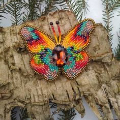 butterfly O Beads, Baubles And Beads, Seed Beads, Diy Bead Embroidery, Embroidery Patterns, Beaded Brooch, Beaded Jewelry, Native Beading Patterns, Native American Beading
