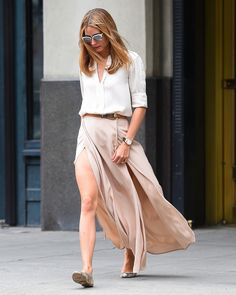 The Front Row View: Olivia Palermo's Neutral Summer Look