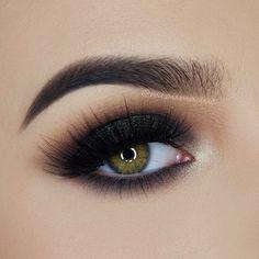 @makeuprevolution Ultra Eyeshadows Flawless Palette (Raw, Pure Chocolate, Night, Green Stars, Angel)
